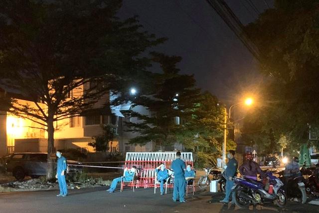 Bình Dương: Tìm khẩn phụ nữ đi cùng xe với người Trung Quốc mắc Covid-19 - 1