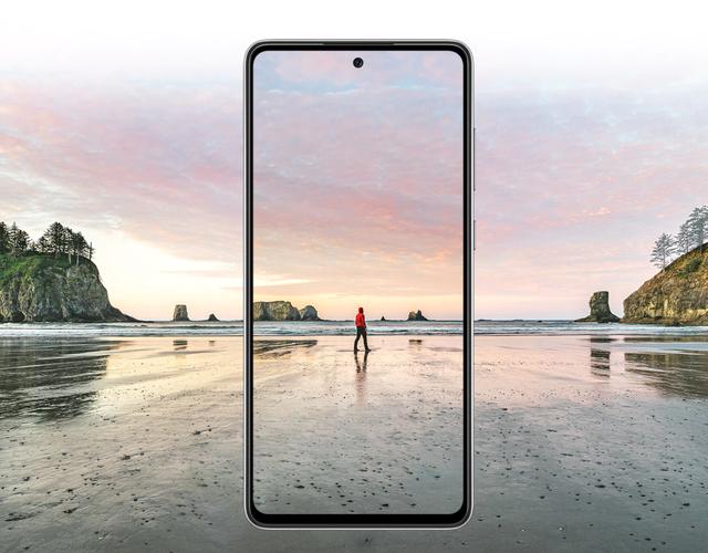 Khám phá tiềm năng giải trí Không giới hạn trên màn hình Infinity-O 90HZ/ 120HZ của Samsung Galaxy A52 5G - 1