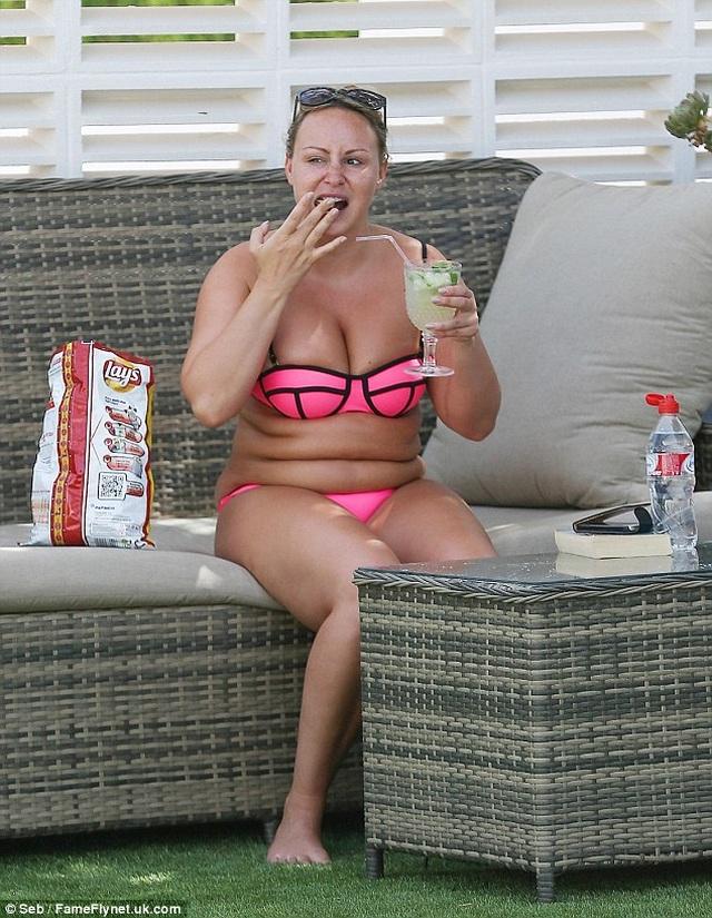 Người mẫu Chanelle Hayes cắt bớt 80% dạ dày sau khi nặng 110 kg - 4