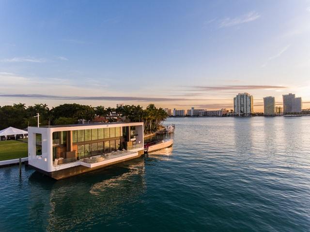 Dinh thự 400 m2 trên mặt nước tự vận hành bằng năng lượng xanh - 4