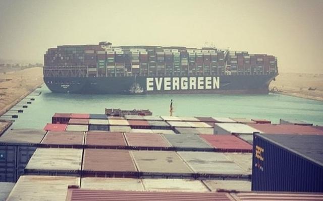 Chạy đua giải cứu kênh đào Suez bị siêu tàu hàng án ngữ - 3