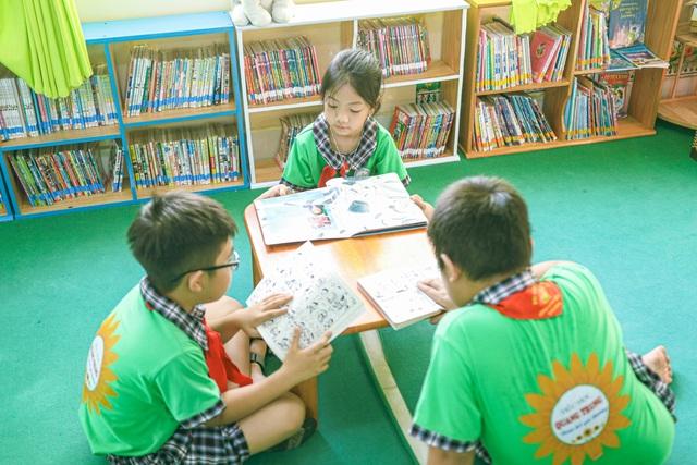 KVT trao tặng Tủ sách Khuyến học tại Tp. Vũng Tàu - 2