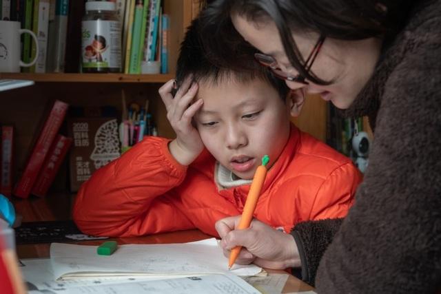 Trung Quốc: Tìm kiếm giải pháp cho giấc ngủ học sinh - 1