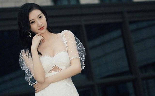 Bi chê diễn dở, tại sao mỹ nhân Bắc Kinh Cảnh Điềm vẫn luôn được ưu ái? - 10