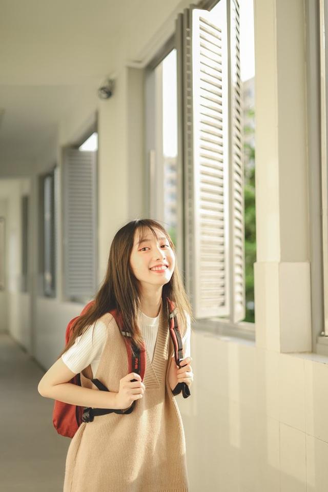 Nữ sinh Ngoại thương đam mê mẫu ảnh, có thành tích học tập khủng - 3