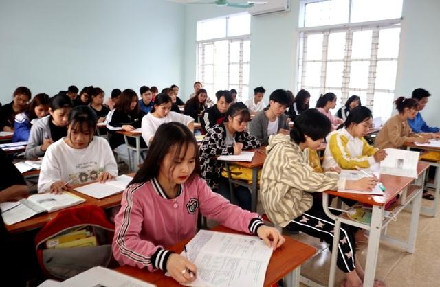 Hơn 70% HS sẽ không đăng ký học hệ 9+ khi trường nghề bị dừng dạy văn hóa? - 1