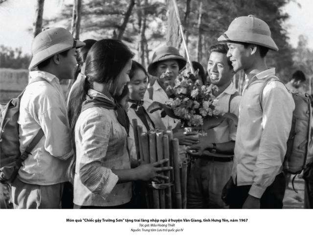 Xúc động hình ảnh khúc tráng ca của tuổi trẻ Việt Nam một thời hào hùng - 2