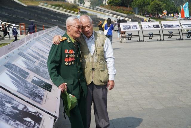 Xúc động hình ảnh khúc tráng ca của tuổi trẻ Việt Nam một thời hào hùng - 13
