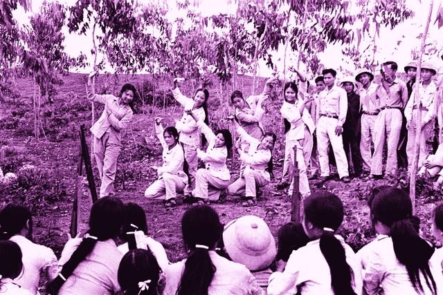 Xúc động hình ảnh khúc tráng ca của tuổi trẻ Việt Nam một thời hào hùng - 16