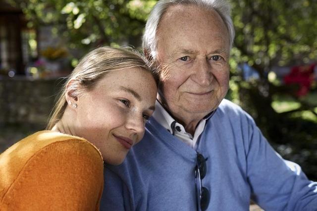 Cụ ông 74 tuổi yêu cô gái 28: Nguyện chết nếu tình duyên bị chia cắt - 1