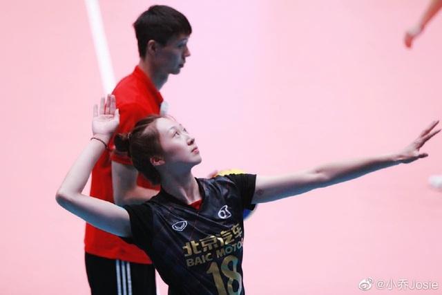 VĐV bóng chuyền xinh như thiên thần của Trung Quốc bất ngờ giải nghệ sớm - 5