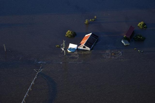 Australia tan hoang trong biển nước vì trận lũ tồi tệ nhất 50 năm qua - 3