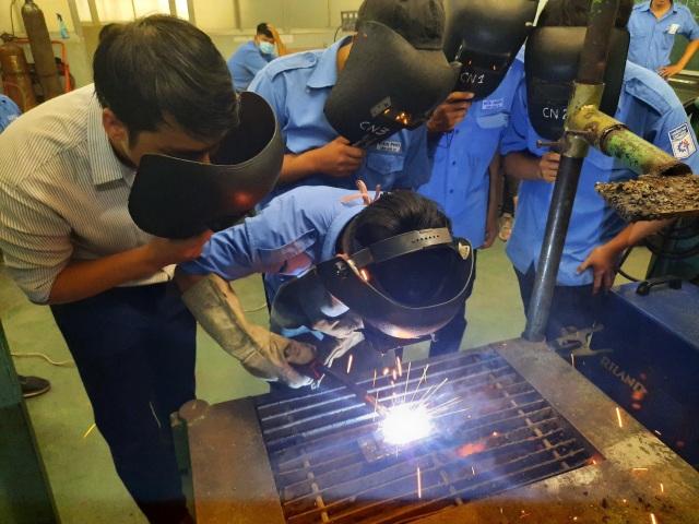 Cơ hội nhảy việc, nâng cao tay nghề cho lao động thất nghiệp vì Covid-19 - 2