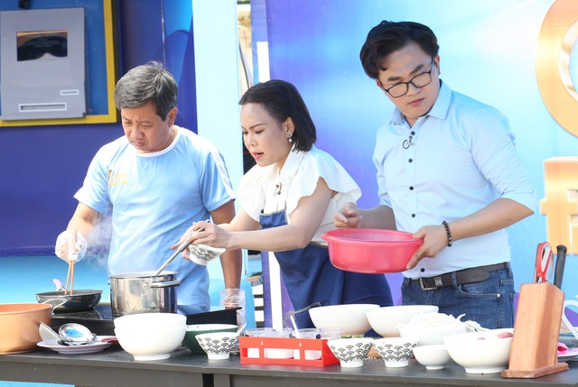 Ông Đoàn Ngọc Hải lần đầu thi nấu ăn, thắng gần 16 triệu đồng - 1