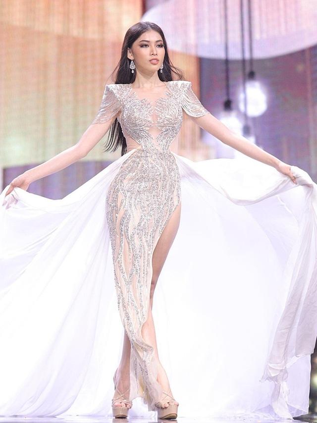 Ngọc Thảo trình diễn tại bán kết Hoa hậu hòa bình thế giới 2021 - 1