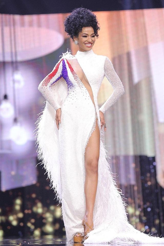 Ngọc Thảo trình diễn tại bán kết Hoa hậu hòa bình thế giới 2021 - 14