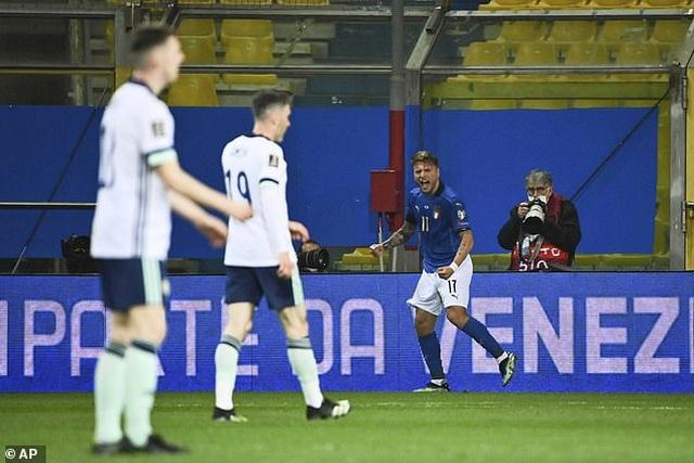 Anh, Đức, Italia thắng lớn, Tây Ban Nha hòa thất vọng - 4