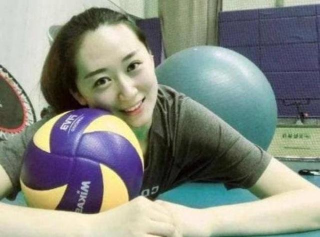 VĐV bóng chuyền xinh như thiên thần của Trung Quốc bất ngờ giải nghệ sớm - 2
