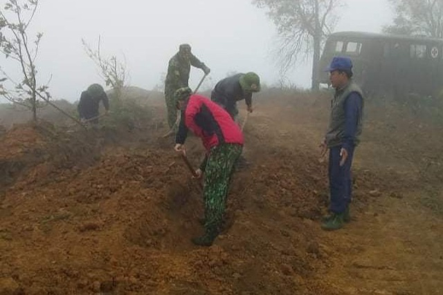 Quảng Trị: Phát hiện hài cốt liệt sĩ ở khu vực thi công điện gió - 1