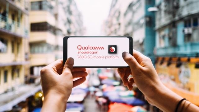 Smartphone tầm trung sắp được sở hữu loạt tính năng như sản phẩm cao cấp - 1