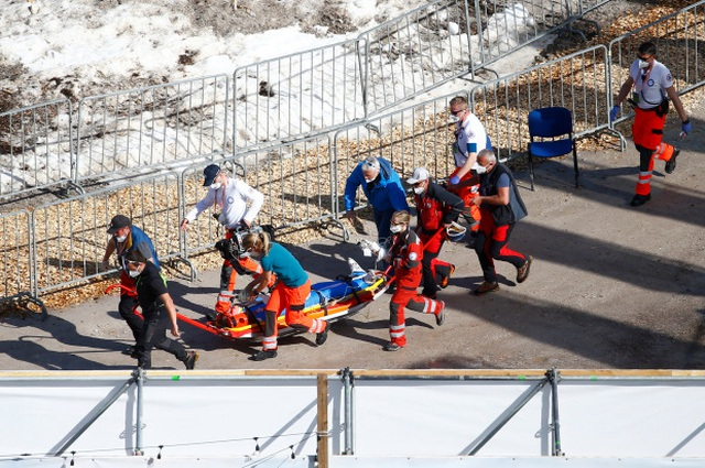 Vận động viên từng nhảy xa hơn 243m suýt mất mạng vì cú tiếp đất lỗi - 4