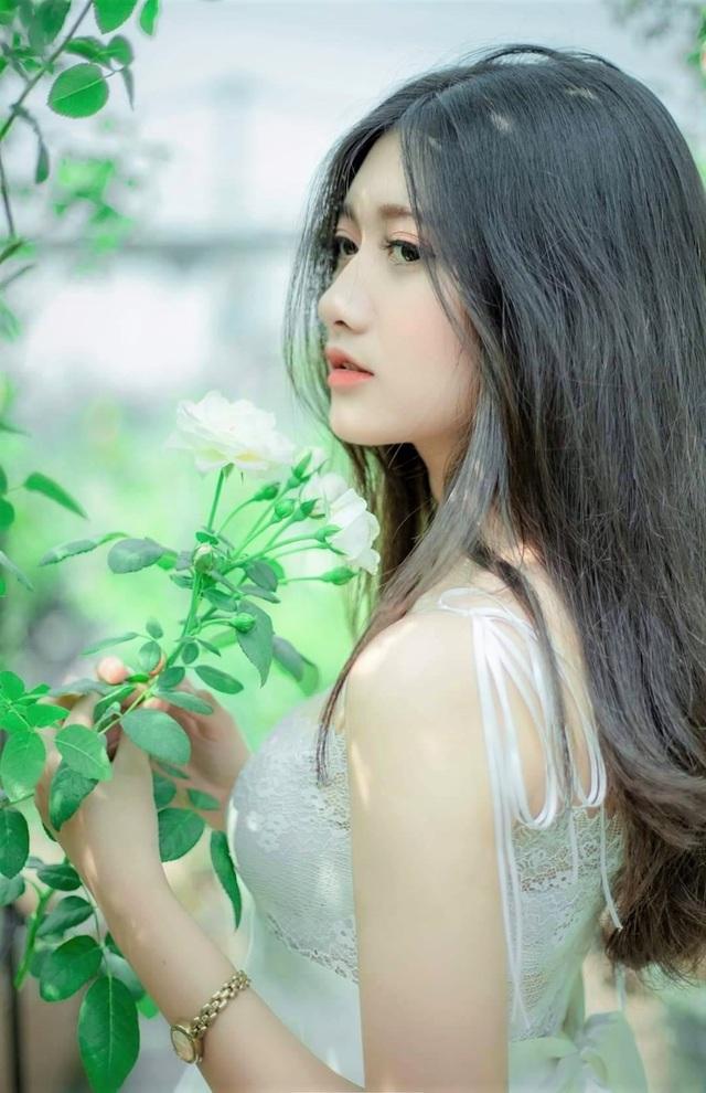 Cô gái xinh đẹp 17 tuổi: Hạnh phúc nhờ đam mê mẫu ảnh - 1