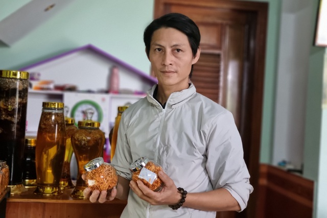Cựu hướng dẫn viên du lịch chuyển nghề trồng nấm, thu về 400 triệu đồng/năm - 5