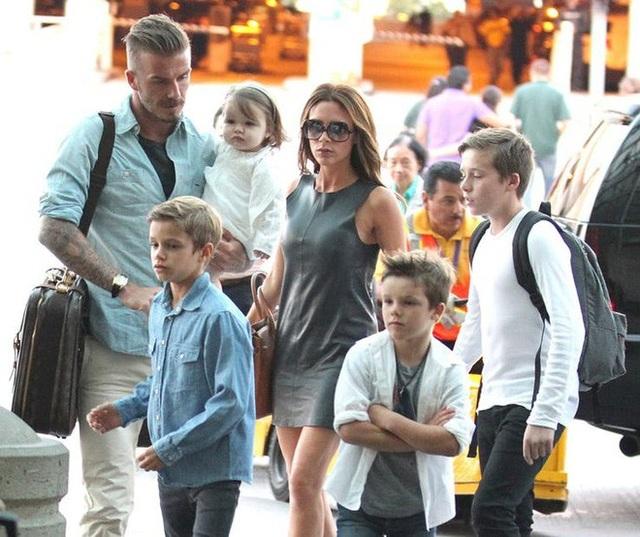 Vợ chồng cầu thủ David Beckham giám sát con sử dụng mạng xã hội ra sao? - 1