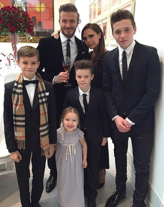 Vợ chồng cầu thủ David Beckham giám sát con sử dụng mạng xã hội ra sao? - 4
