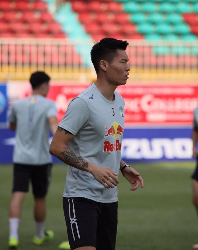 HA Gia Lai 3-0 TPHCM: Lee Nguyễn mờ nhạt, Công Phượng tiếp tục rực rỡ - 25