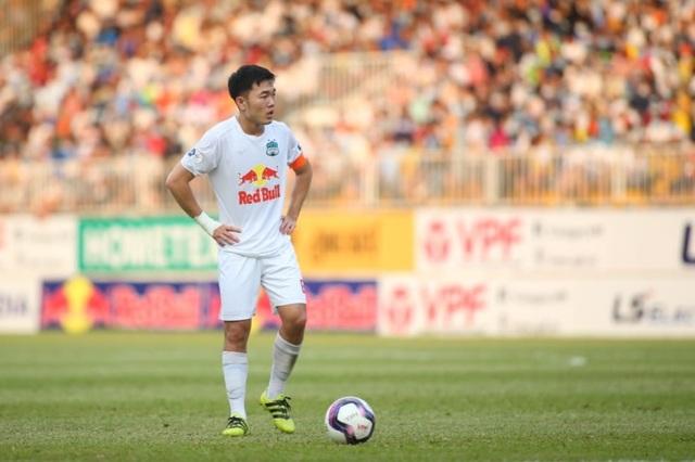 HA Gia Lai 3-0 TPHCM: Lee Nguyễn mờ nhạt, Công Phượng tiếp tục rực rỡ - 15