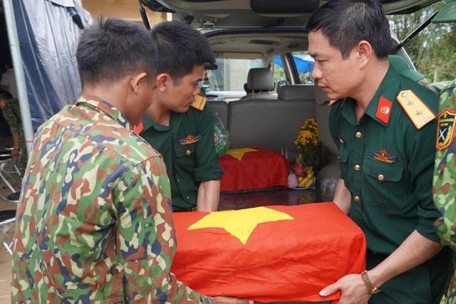 Quảng Trị:  Phát hiện, cất bốc 12 hài cốt liệt sĩ ở chiến khu Ba Lòng - 3