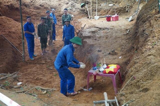 Quảng Trị:  Phát hiện, cất bốc 12 hài cốt liệt sĩ ở chiến khu Ba Lòng - 1
