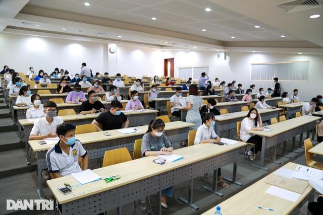 Hôm nay, gần 70.000 thí sinh thi đánh giá năng lực để xét tuyển vào đại học - 7