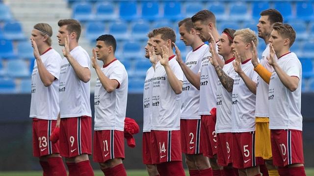Erling Haaland thất vọng chứng kiến đội nhà thua đậm Thổ Nhĩ Kỳ - 2