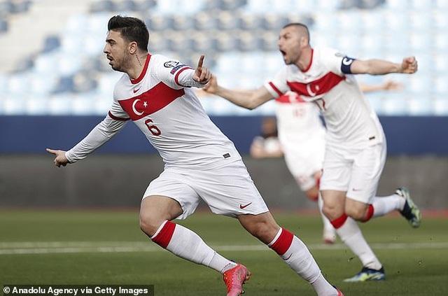 Erling Haaland thất vọng chứng kiến đội nhà thua đậm Thổ Nhĩ Kỳ - 5