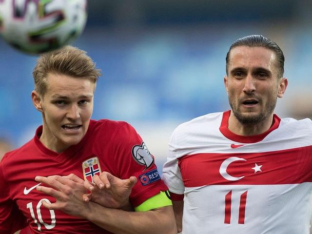 Erling Haaland thất vọng chứng kiến đội nhà thua đậm Thổ Nhĩ Kỳ - 8