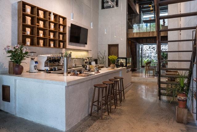 Quán cà phê cải tạo từ nhà cổ, đẹp yên bình giữa lòng thành phố Quy Nhơn - 4