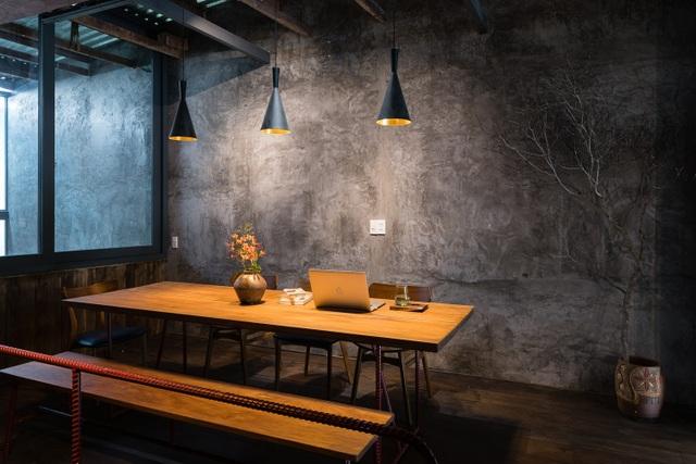 Quán cà phê cải tạo từ nhà cổ, đẹp yên bình giữa lòng thành phố Quy Nhơn - 13