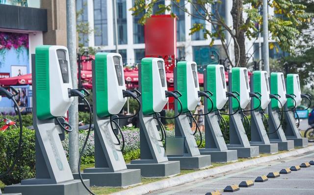 Các nước ồ ạt ưu đãi chính sách, xe điện Việt vẫn đơn thương độc mã? - 4