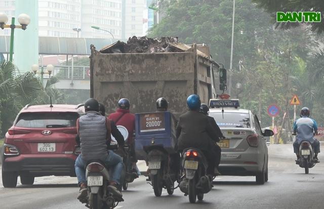Hà Nội: Hãi hùng cảnh hổ vồ bất chấp pháp luật nghênh ngang giữa phố - 2