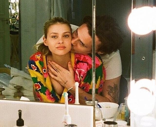 Loạt ảnh tình tứ của Brooklyn Beckham và con gái tỷ phú - 4