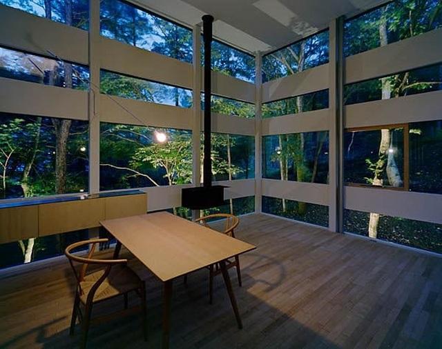 Ngôi nhà kỳ lạ lơ lửng giữa rừng xanh ở Nhật Bản - 7