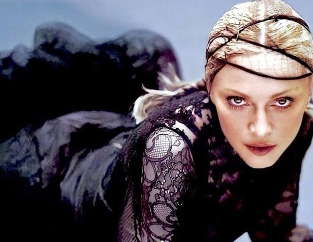 Choáng với ảnh hở bạo của diva 63 tuổi Madonna - 5