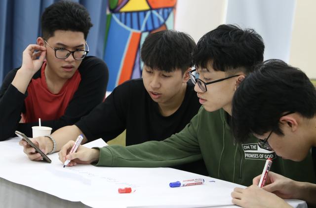 Học sinh sử dụng 100% tiếng Anh trong cuộc thi khám phá nghề nghiệp - 1