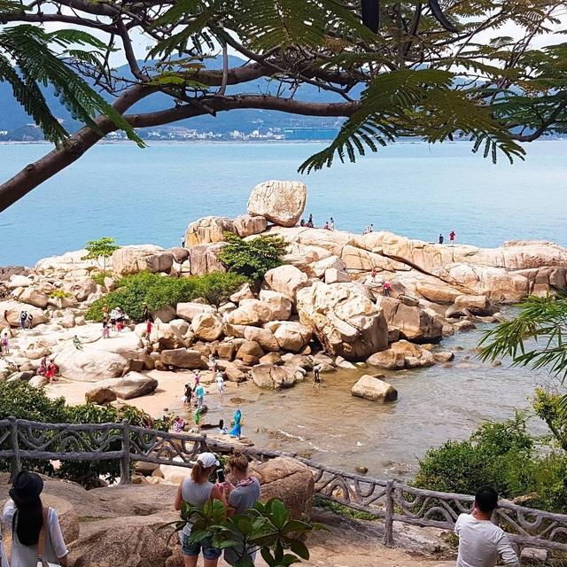 Chụp cháy máy ở 3 quán cà phê view biển hút khách bậc nhất Nha Trang - 2