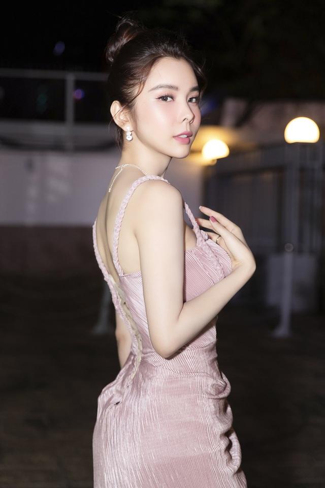 Hoa hậu Huỳnh Vy hút ánh nhìn bởi vẻ xinh đẹp, yêu kiều - 6