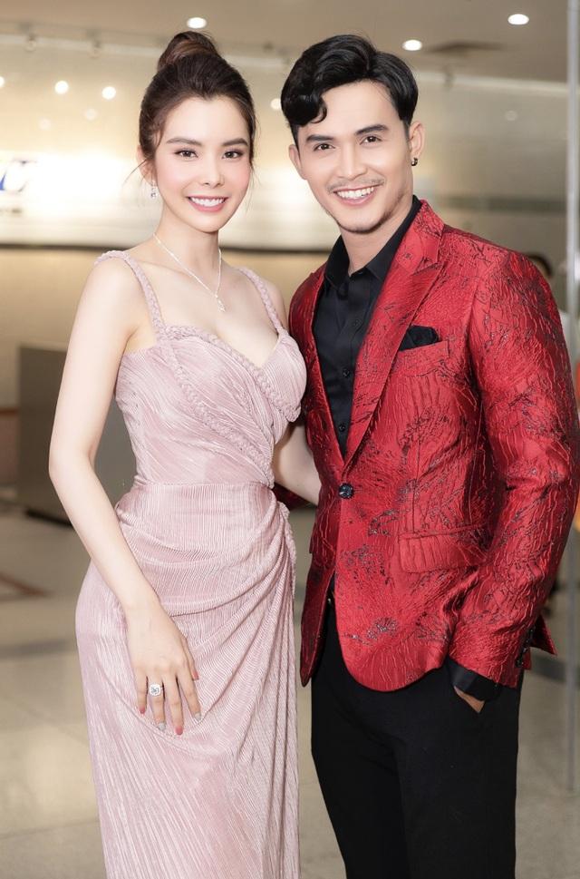 Hoa hậu Huỳnh Vy hút ánh nhìn bởi vẻ xinh đẹp, yêu kiều - 1