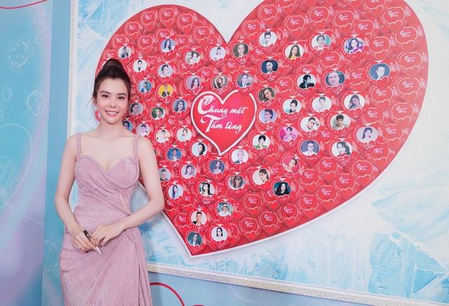 Hoa hậu Huỳnh Vy hút ánh nhìn bởi vẻ xinh đẹp, yêu kiều - 5