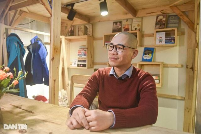 Tiết kiệm tiền, ông bố Hà Nội mở thư viện 2000 đầu sách miễn phí - 6